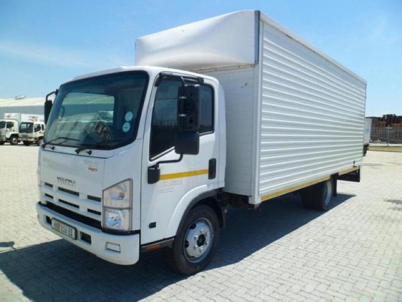کامیون ایسوزو 5 تن سفید