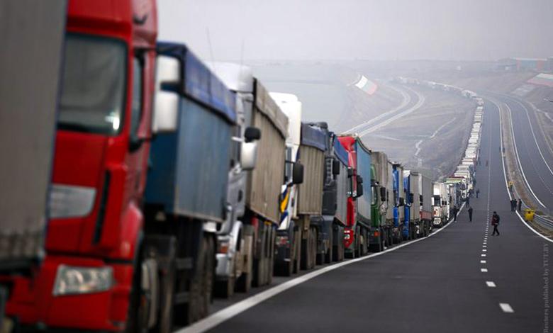 راه اندازی سامانه هوشمند نوبت دهی کامیونداران در صف بازرگان